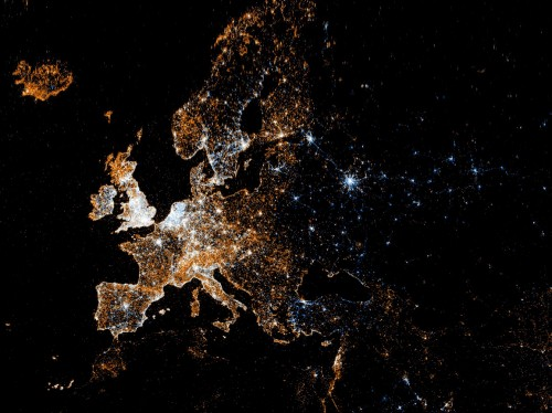 Geo-localized data from social media uploads Europe